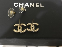 AUTHENTIC CHANEL GOLD RARE CC LOGO CRYSTAL STUD EARRINGS MINT image 10
