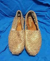 TOMS Classic Herrimgbone Chevron Shoe Size 7.5 Gold Tan Black Slip On Wmns  - $30.67