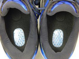 Brooks Transcend 4 Size US 10 M (D) EU 44 Men's Running Shoes Black 1102491D002 image 9