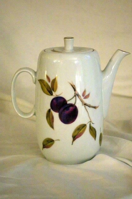 Royal Worcester 2015 Evesham Gold 5 Cup Coffee Pot image 2