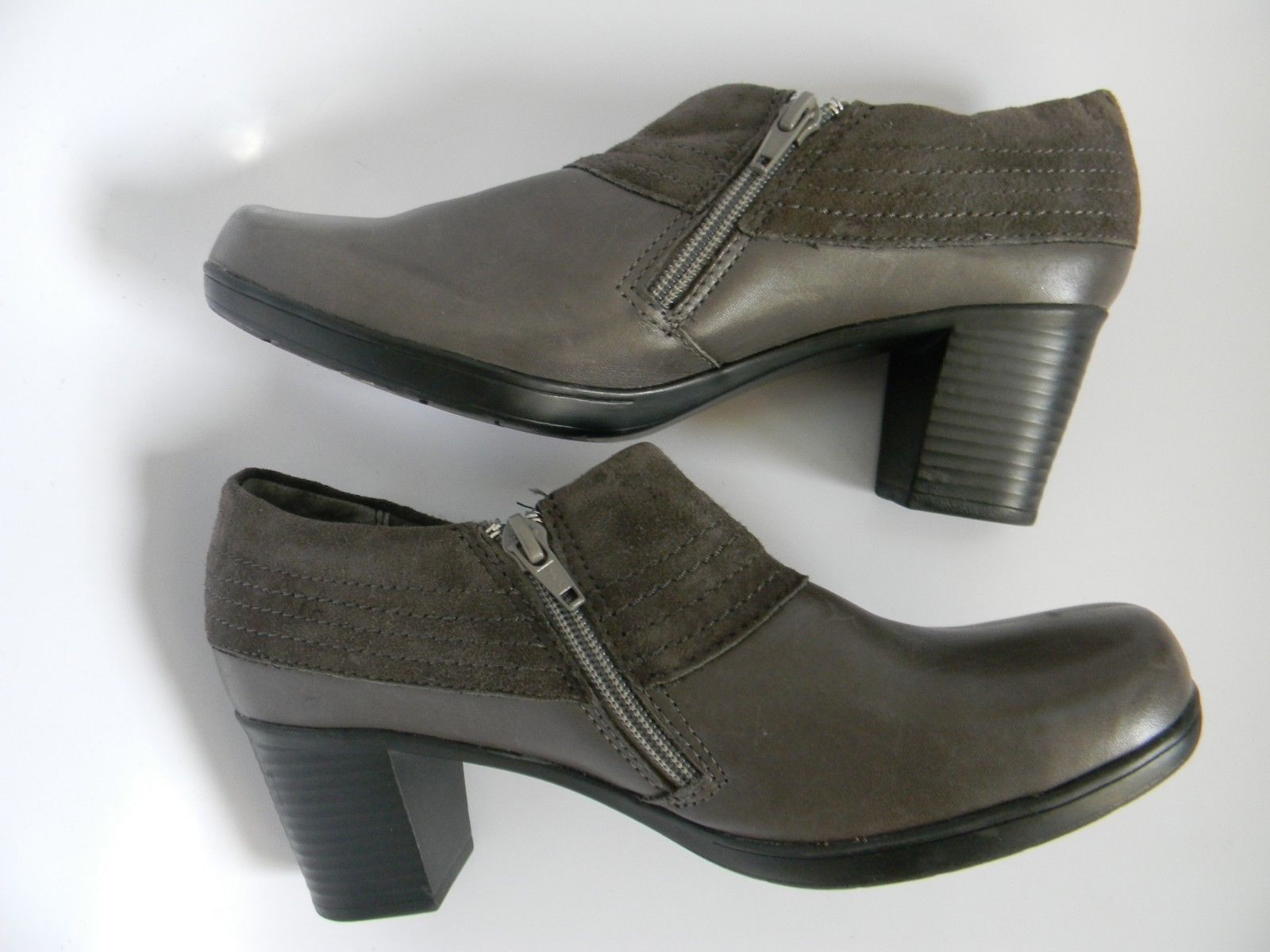 """Clarks Bendables Womens Gray Leather Upper 2.25"""" Ankle Boots Size 7M 62980"""