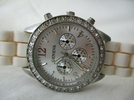 Geneva STYLISH Off-White & Silver Toned Wristwatch w/ Adjustable Buckle ... - $29.00