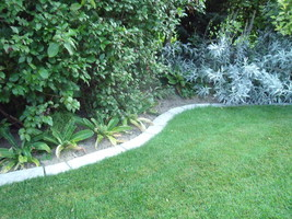 4 Curved Garden Edging Lawn Landscape Molds Make Concrete Tree Circles or Walls image 7