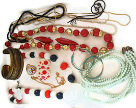 VINTAGE to Modern small COSTUME JEWELRY LOT Boho MOD 12 pieces A-102 - $14.85