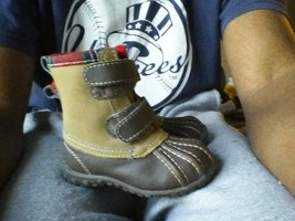 3 baby gap size 5c winter boots & camo pants size 3y life & legend carters gray - $14.03