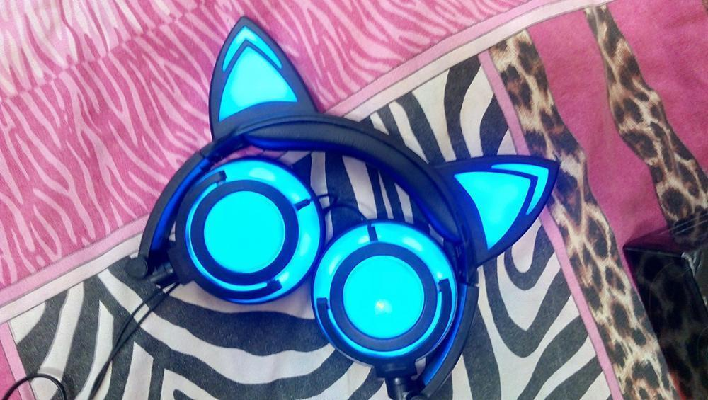 Gaming Headset Earphones with LED Lights Flashing Glowing Headphone For PC Phone