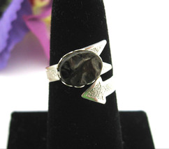 ARROW WRAP RING Vintage Silvertone, Black Plastic Imitation Coal Stone, ... - $14.99