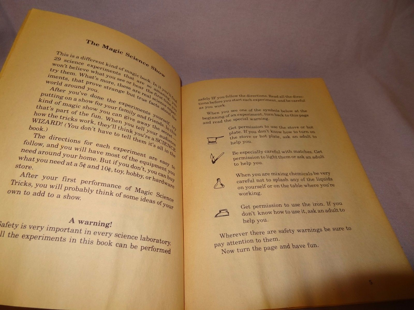 Magic Science Tricks Paperback Book 1977 Scholastic Dinah Moche Homeschool