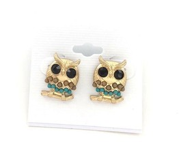 Owl Post Earrings Looks Like they are wearing a bikini! Child or Adult  - $5.01