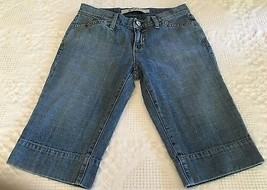 Gap Women's Blue Jean Bermuda Shorts w/ Flap Pockets Size 2 (29 x 23) - $12.95