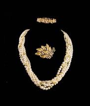 Vintage Pearl necklace / pearl bracelet / rhinestone brooch / Anniversar... - $110.00