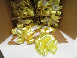 """LOT OF 100 RIBBON BOWS YELLOW COLOR PEEL & STICK EASY NEW 5"""" MADE IN USA - $8.86"""