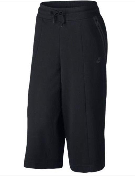 6d16fc5ba S l1600. S l1600. Previous. Women's Nike Sportswear Tech Fleece Capris  Pants Black Size XS 811679 010 NWT · Women's Nike ...