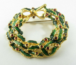 Vintage Retro Enamel Jewelry Brooch Christmas Wreath Gold Tone No Mark - $15.00