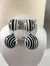 Vintage White & Black Retro Enamel Wood Post Earrings - $8.00