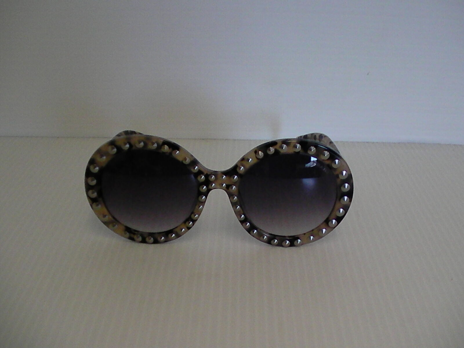 Damen Prada Neue Sonnenbrillen Schwarz Beige mit Nieten Besetzt Barock Spr29qsk image 4
