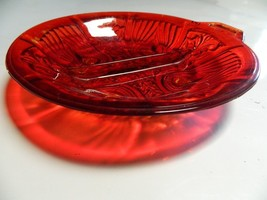 Beautiful Vintage Ruby Red Candy/Nut/Trinket Dish With Divider EUC  - $17.95