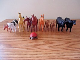 "Mixed Lot Of 10 Plastic Cows And Horses Play Set Figures "" GREAT COLLECT... - $14.01"