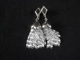 Sarah Coventry Silvertone Clip On Earrings Dangle Tassle - $9.85
