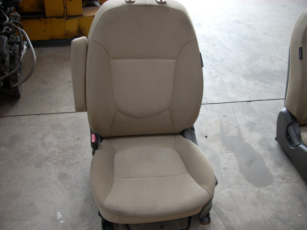 2012 2013 2014 HYUNDAI ACCENT LEFT DRIVER SIDE FRONT MANUAL SEAT OEM