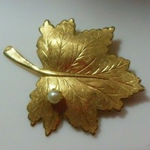 Signed Sarah Coventry Gold-tone Faux Pearl Leaf Brooch - $18.80