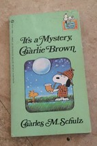 Vintage It's A Mystery Charlie Brown Book Charles Schulz 1975 Scholastic - $6.92