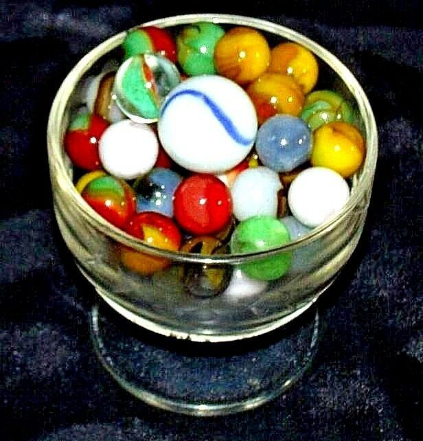 Marbles in a Custard Dish and 1 Shooter AA18 - 1174-D   50 Vintage