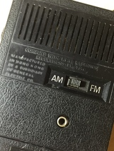 Vintage General Electric Solid State (AFC) Hand-held AM/FM Radio image 5