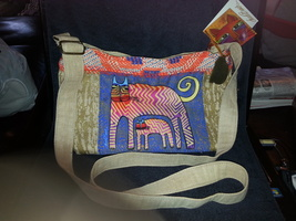 Laurel Burch Cross Body Purse  NWT LB5432 Zig Zag Gatos Cat Design - $31.99
