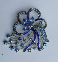 Stunning Silver Plated Blue Rhinestones Flower Brooch Cake Pin - $8.46