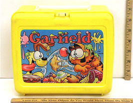 Vintage Garfield & Odie 1978 Lunch Box Yellow w/Thermos Food Fight Jim Davis - $18.69
