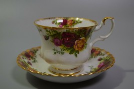 Royal Albert Old Country Roses Teacup & Saucer Set Original English Bone... - $14.49