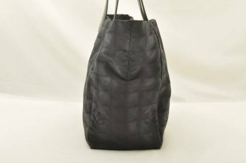 CHANEL New Travel Line Tote Bag Black CC Auth 10653 **TEAR image 5