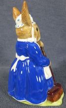 Royal Doulton Mrs Bunnykins Clean Sweep DB6 England Vintage Retired Earthenware image 3