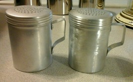 Winco ADRG-10 Dredge Shaker with Handle 10-Ounce Aluminum set of 2 - $18.99