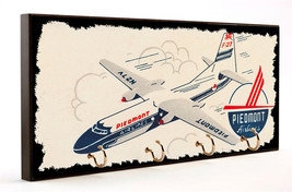 Vintage Piedmont Airlines Plane and Emblem Design MFG Wood Four Key Hanger - $27.67