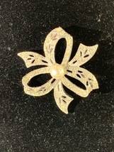 Vintage Silver Tone Ribbon Brooch Jewelry - $10.00