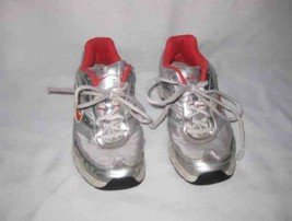Girls NIKE Pillartech Shoes Size 5 Youth - $13.54