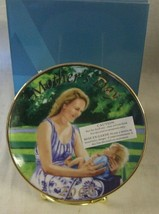 "NEW Avon 2006 MOTHER'S DAY PLATE ""Mother and Child"" - $18.32"