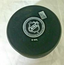 BRENT BURNS / SAN JOSE SHARKS / AUTOGRAPHED SHARKS LOGO NHL HOCKEY PUCK / COA image 3