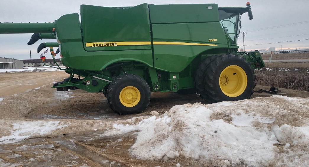 2012 JOHN DEERE S680 For Sale In Walnut, Illinois 61376
