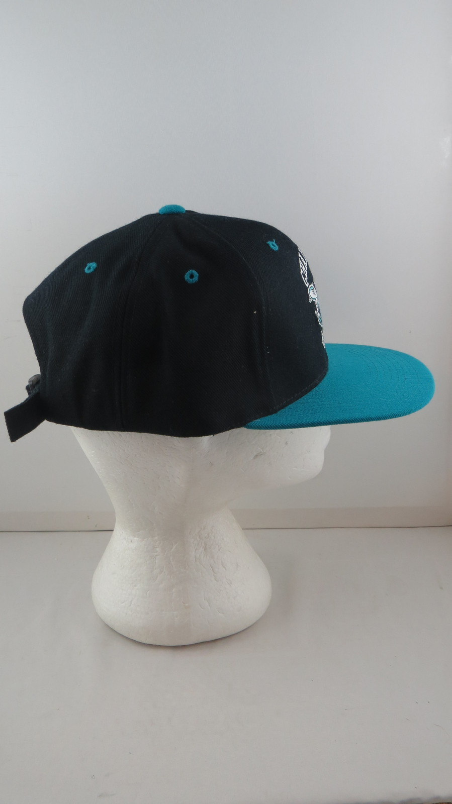 Charlotte Hornets Hat (VTG) - Hornet Logo Two Tone - Adult Strapback
