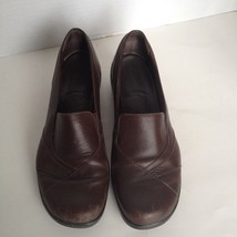 CLARKS BROWN LEATHER LOAFERS SLIP ONS  COMFORT WORK SHOES WOMENS SZ 9M - $14.01