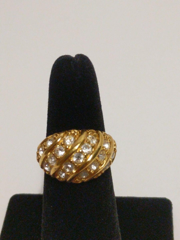 Avon Gold Tone Ring with Rhinestones