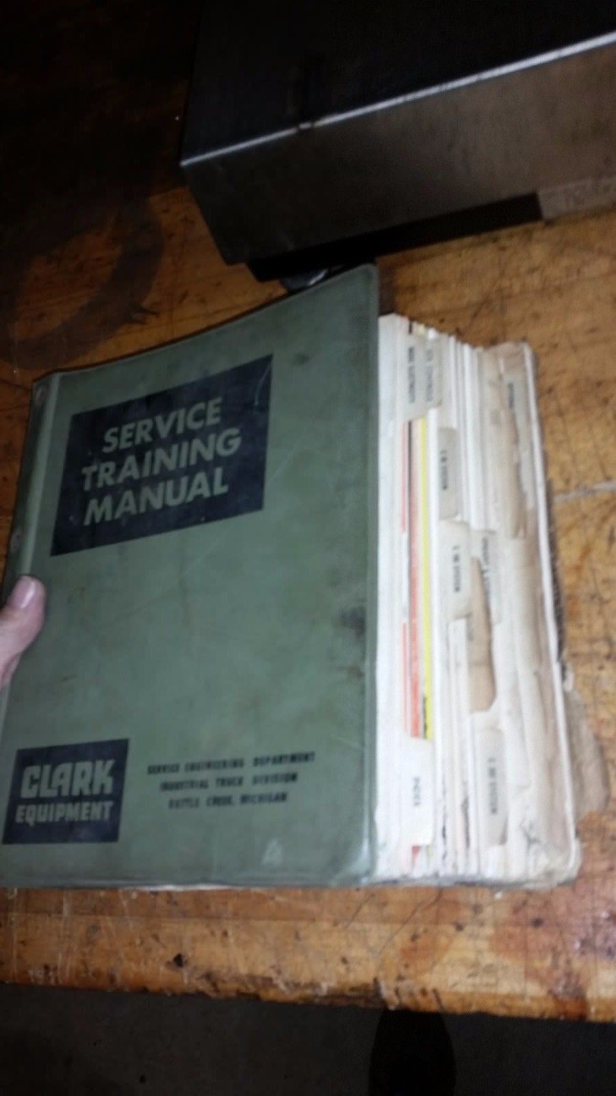 CLARK ELECTRIC FORK LIFT SERVICE TRAINING MANUAL BOOK GUIDE