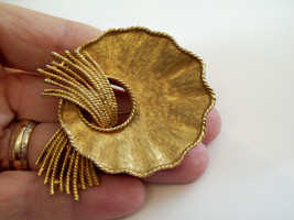 Vintage BSK Rope Tassel Brushed Gold Plated Brooch Pin Free Form Scallop... - $14.36