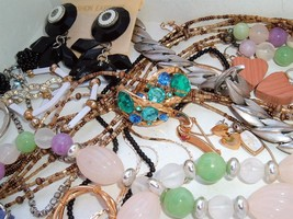 VINTAGE to Modern small COSTUME JEWELRY LOT Boho MOD colorful Mix #D - $19.77