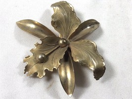 VTG mid century gold  tone metal  Orchard Flower Pin Brooch - $19.80
