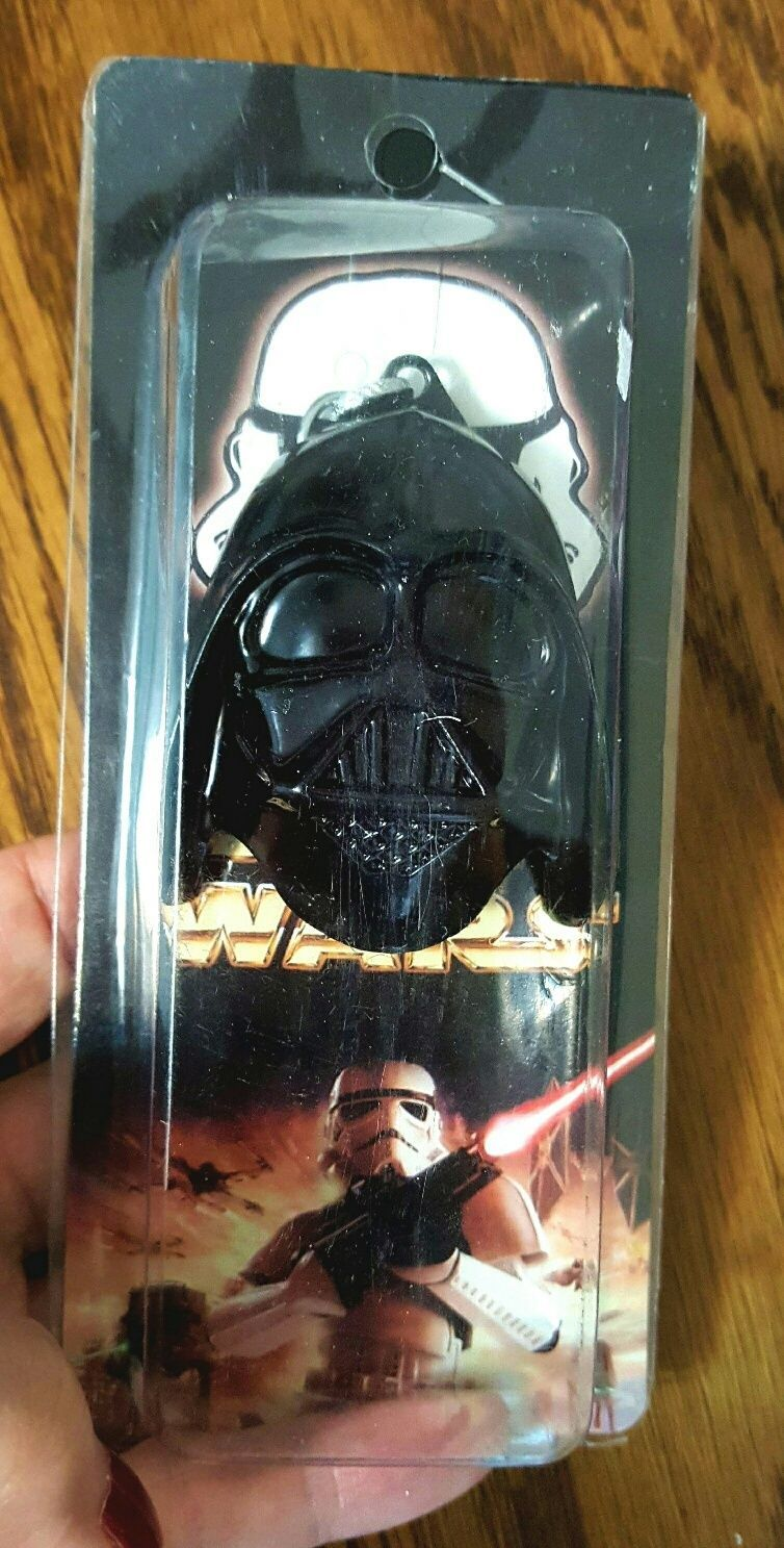 Primary image for Star Wars Metal Darth Vader Mask Keychain NIB