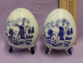 Dutch Windmill Salt & Pepper Shaker Blue Egg Shape Enesco Japan - $13.85